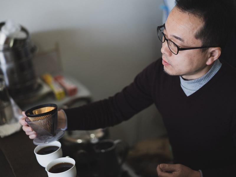 「スペシャルティコーヒー専門店 香茶屋(かおりちゃや)|全国3位に輝いた焙煎士のいるコーヒーショップ」のアイキャッチ画像