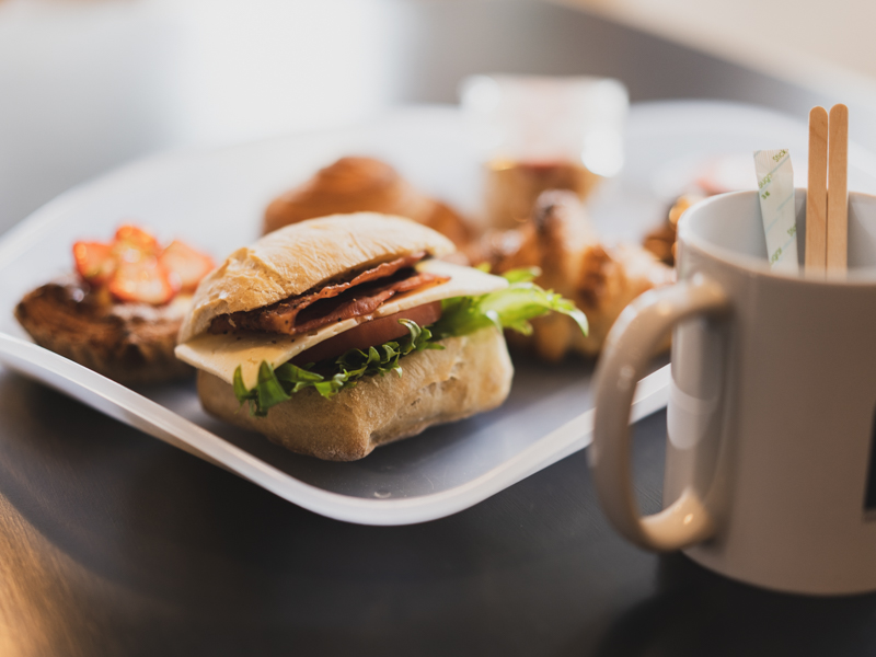 「やま市パン商店|中区高林にあるインスタで話題のパンやさんでモーニング。」のアイキャッチ画像