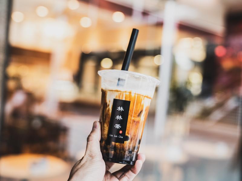 「林林茶(りんりん茶)|遠鉄百貨店本館B1Fにある黒糖ミルクのタピオカ専門店!」のアイキャッチ画像