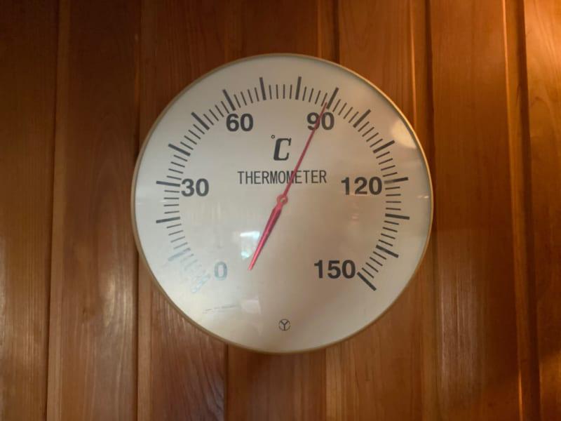 浜名湖かんざんじ温泉華咲の湯のサウナの温度