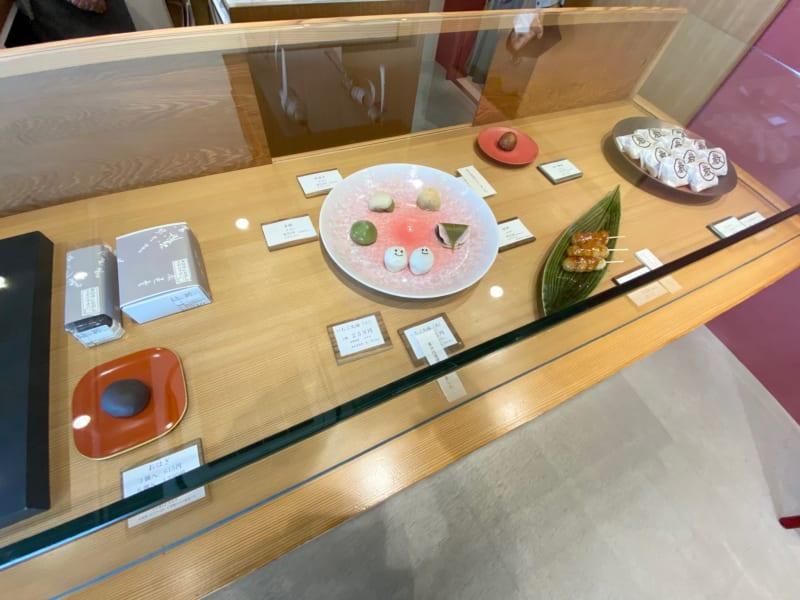 巌邑堂 袖紫ヶ森店の和菓子