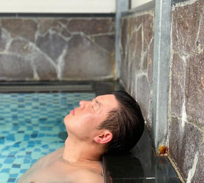 天然温泉風と月の水風呂