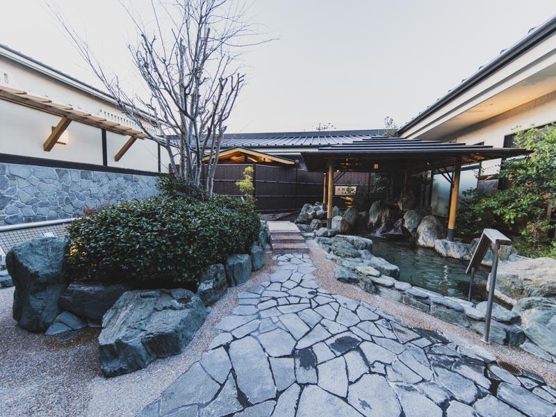 RAKUSPACafe浜松の外風呂