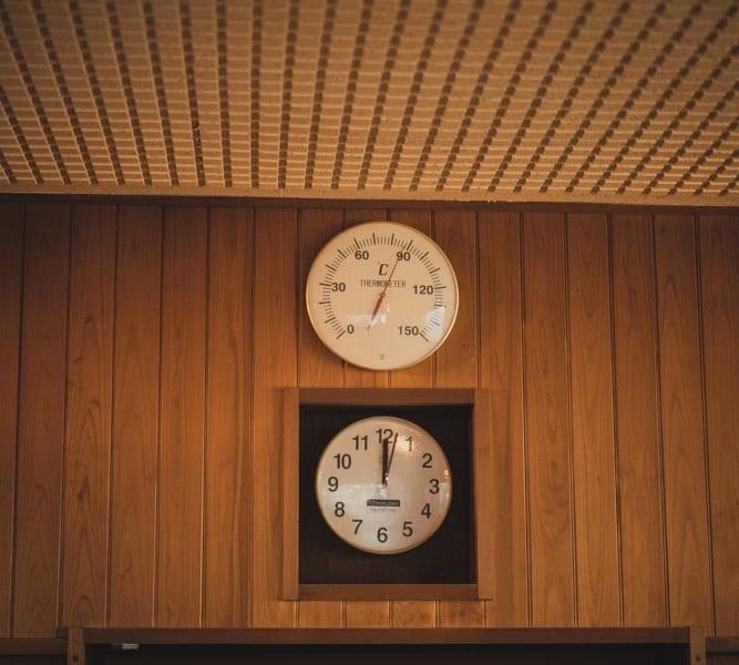 RAKUSPACafe浜松のサウナの温度
