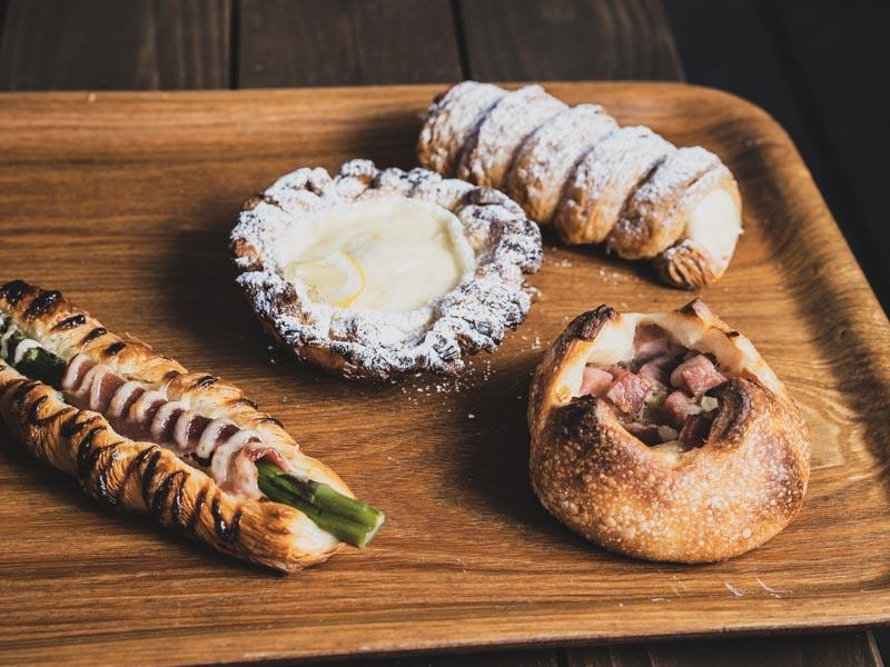 「Boulangerie Kaseruブーランジェリーカセル 人気No.1のクローネは絶品だった!」のアイキャッチ画像